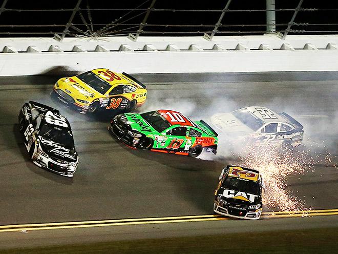 Всё, что нужно знать о новом сезоне NASCAR