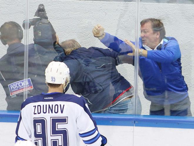 Драки тренеров в хоккее