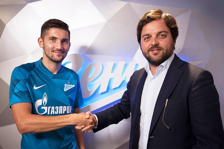 Футболист «Зенита» Сутормин переведёт млн руб. первому тренеру взнак признательности
