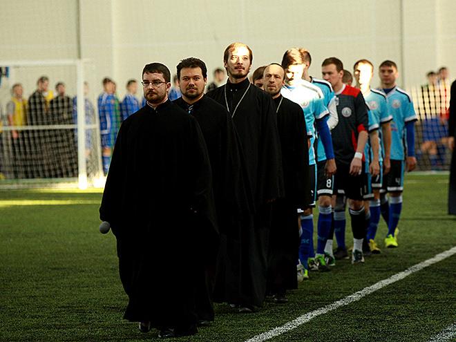 В Новосибирске прошёл межъепархиальный футбольный турнир среди священников