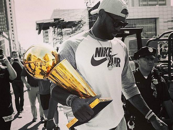 Леброн Джеймс шесть сезонов подряд выходил в финал плей-офф НБА