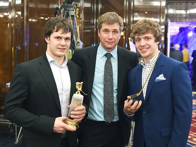 Евгений Дадонов (слева)