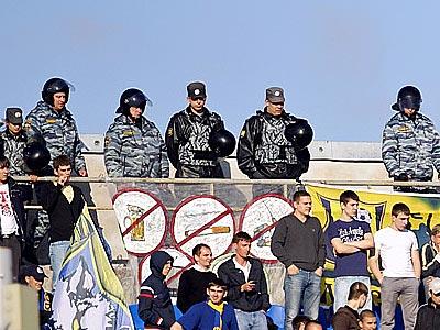 Полиция уйдёт со стадионов, а с нею и конфликты…