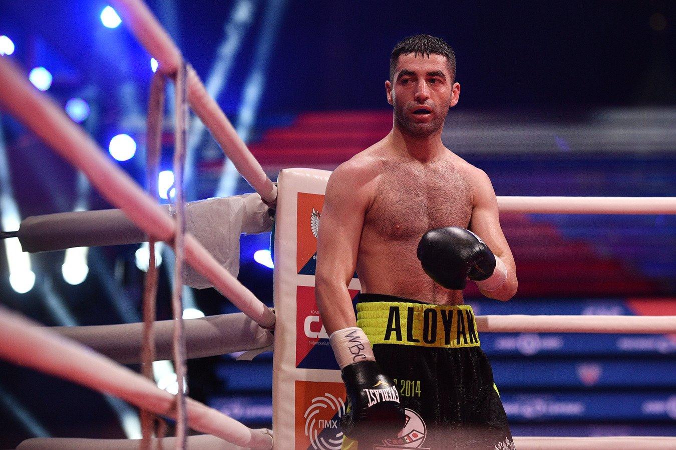 Миша Алоян защитил чемпионский титул WBA Gold, одержав досрочную победу над Грищуком