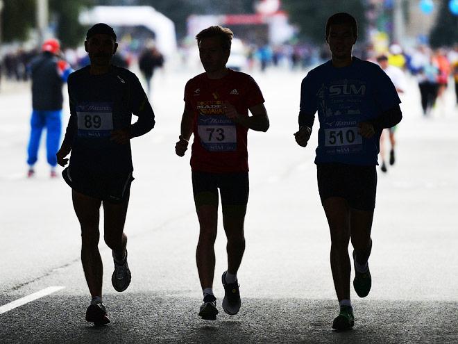 Участники Московского марафона помогут детям
