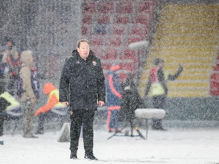 Леонид Слуцкий решил уйти из ЦСКА после матча с «Тоттенхэмом». Стоит ли?