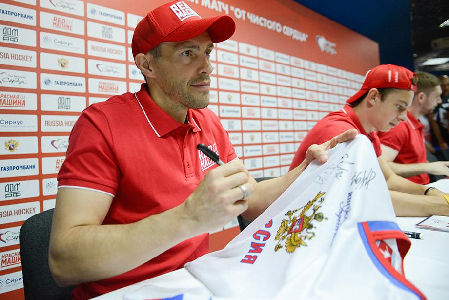 Хоккеист Павел Дацюк сравнил закон оСНИЛС с правонарушениями фашистов