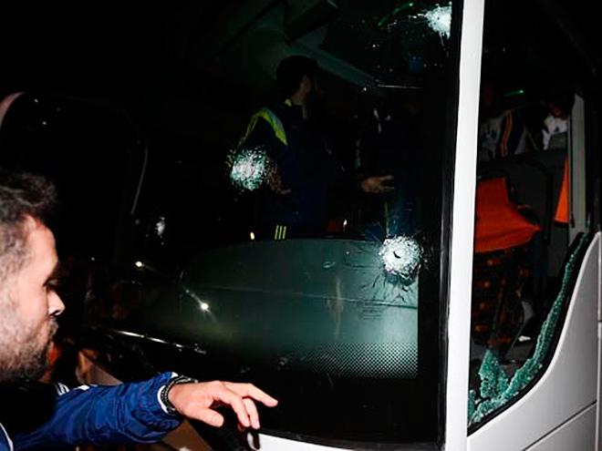 Совершено нападение на автобус «Фенербахче»