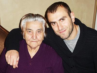 Юра Мовсисян со своей бабушкой