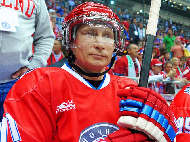 Путин и Шойгу сыграли в хоккей