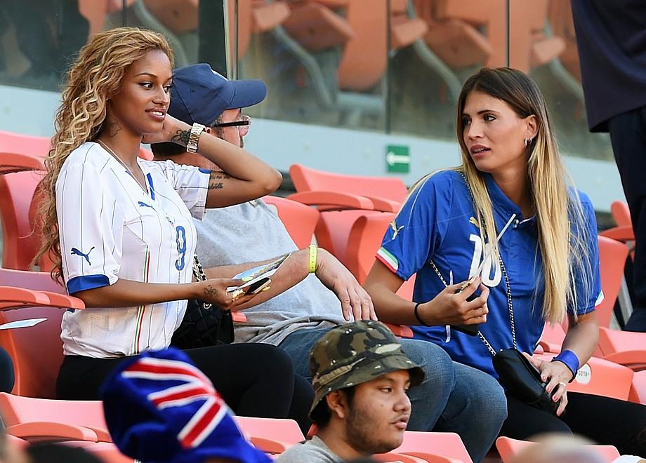 Редкие фото жен футболистов