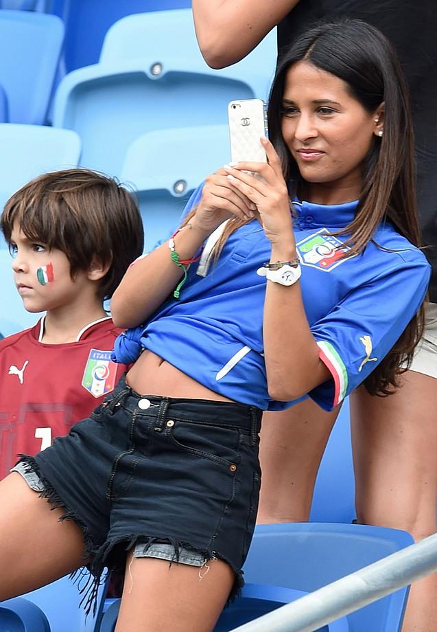 Жены итальянских футболистов фото