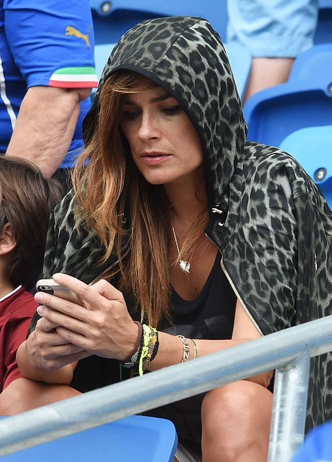 бывало, что жены итальянских футболистов фото история