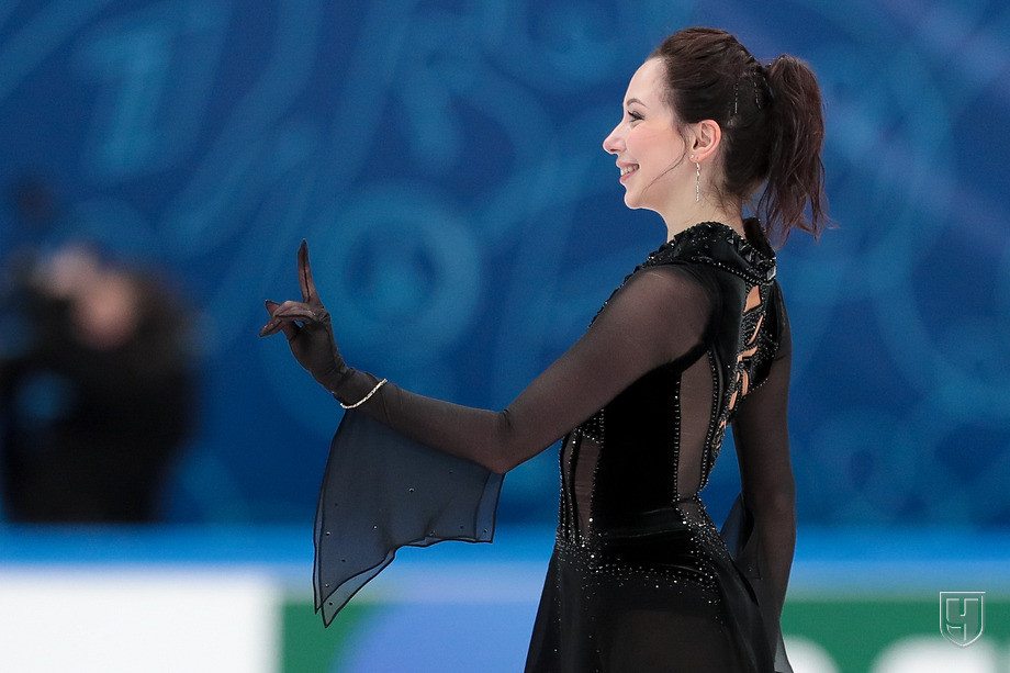 https://img.championat.com/photo/23/23545/full/949707-elizaveta-tuktamysheva.jpg