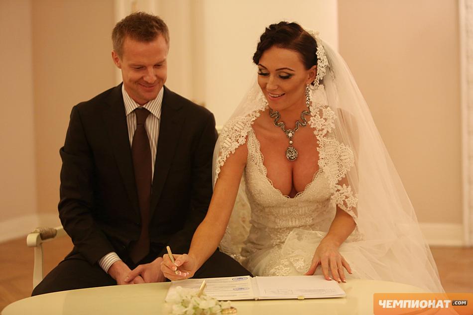 ног головы вячеслав малафеев и его жена екатерина свадьба внутрь дермы