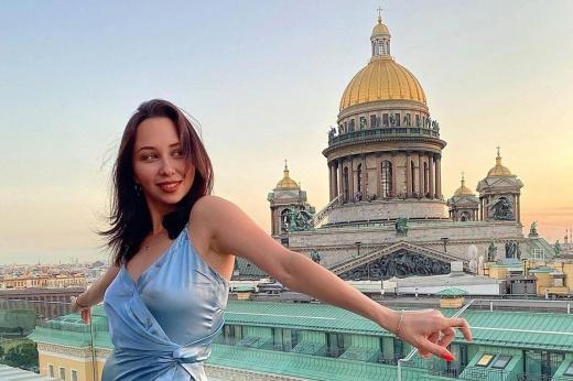 Туктамышеву критикуют за слишком короткое платье. Зато Лизу точно ни с кем не спутаешь!