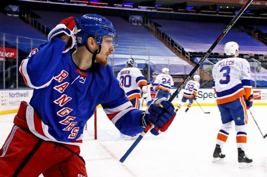 «Это стереотип, что русские не хотят играть в обороне». Бучневич — о своём сезоне в НХЛ