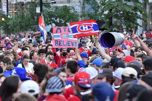 «Город сошёл с ума!». Фанаты «Монреаля» устроили бедлам после выхода в финал Кубка Стэнли