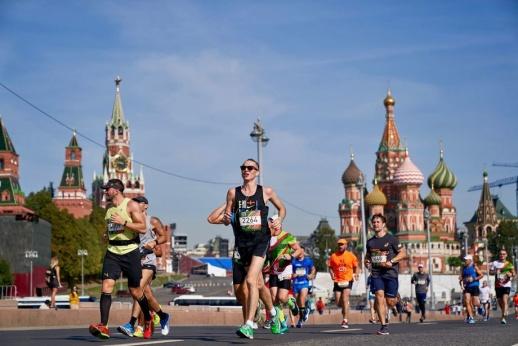 Мимо Кремля или Эрмитажа. Какой полумарафон лучше? Битва столиц