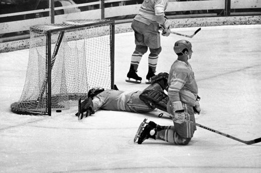 Третьяк не может забыть этот гол. За секунду до перерыва, СССР лишился золота Олимпиады