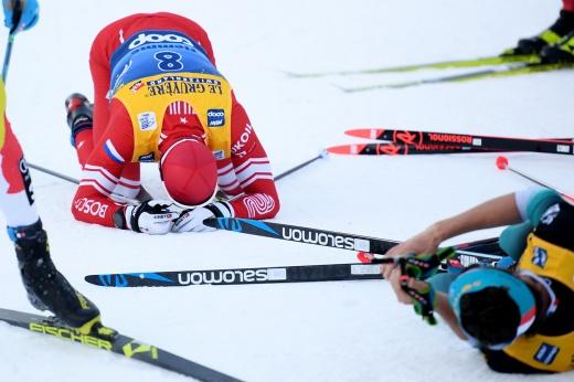 «Ты зачем это сделал, а?!» Лыжники едва не подрались на финише на чемпионате России