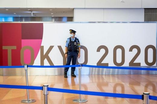 Игры строгого режима. Спортсменам нельзя гулять в Токио, болельщикам — кричать и петь
