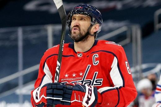 «Вашингтон» уступает «Бостону» 1-3 в серии плей-офф НХЛ и находится в одном поражении от завершения сезона