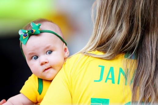 Они же дети! Как в разных странах сходят с ума по чемпионату мира