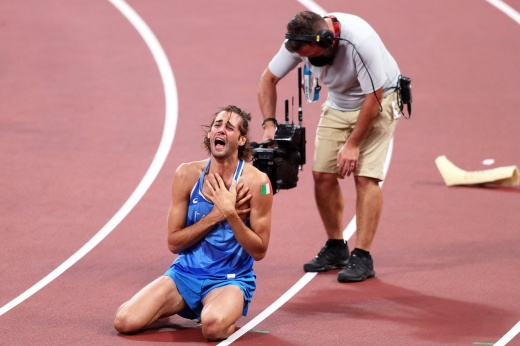 Судьи отдали золото Олимпиады сразу двум прыгунам. И итальянец Тамбери устроил истерику