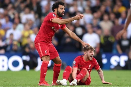 Жуткая травма молодого таланта «Ливерпуля». Его нога вывернулась