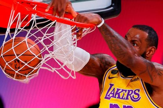 Леброн красиво отреагировал на явную несправедливость. Зря НБА пошла против Короля