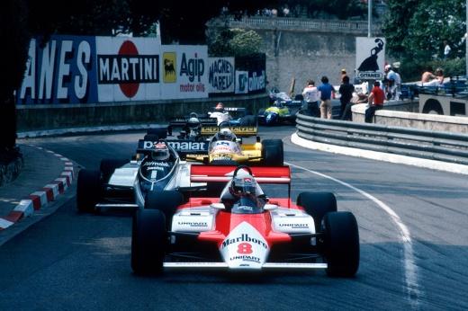 Два лидера сошли на последнем круге! И киношники вряд ли бы придумали такой финиш в Монако