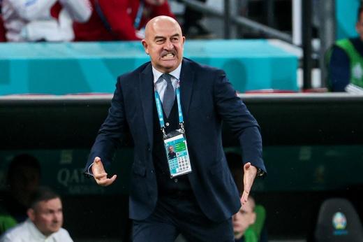Какое хамство! Датские фанаты швыряли пивные стаканы в игроков сборной России