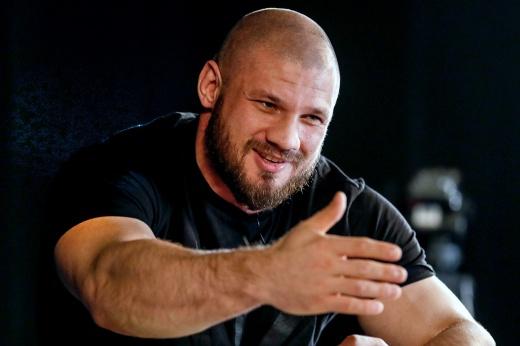 «USADA? Не, ребят, я хочу быть здоровым». Уральский Халк закрыл вопрос с UFC