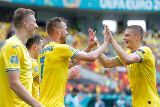 «Даже полумёртвая Украина вышла в плей-офф». Как в России восприняли успех соседей