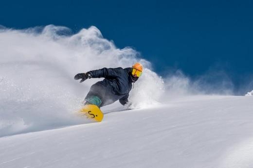 Зима близко: как начать готовиться к сезону катания на лыжах и сноуборде уже сейчас?