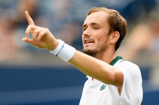 Daniil Medvedev lost one set at the US Open.  But the Russian is still in the 1/2 finals!