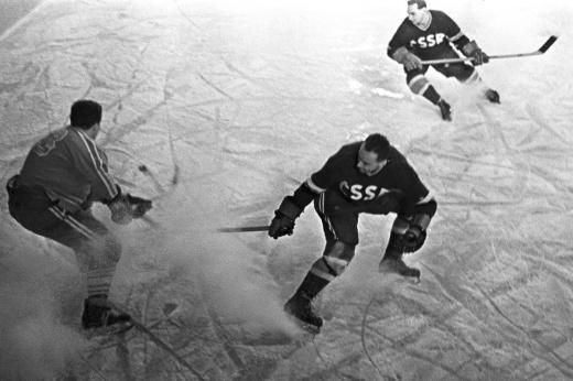 22 декабря – день рождения хоккея с шайбой в России. Ему исполнилось 74 года