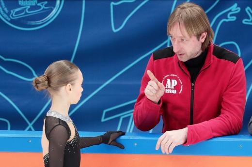 Фигурное катание, контрольные прокаты юниорской сборной России: Акатьева, Жилина и Самоделкина в короткой программе