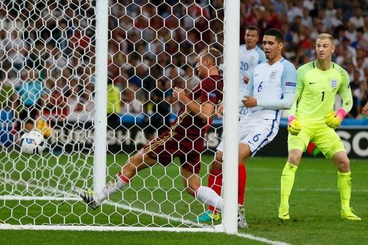 «Англия получила удар в челюсть!» Как сборная России начинала прошлый Евро