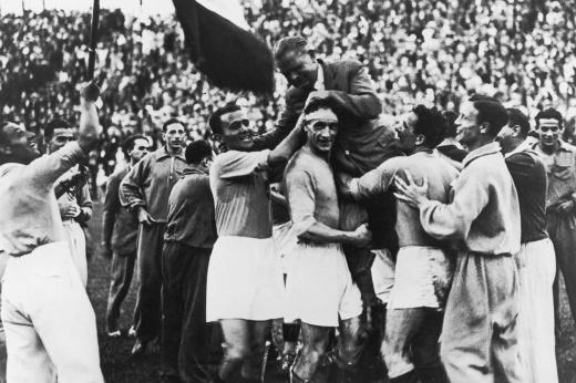 «Они дали взятку...» Как Италию тащили к победе на домашнем чемпионате мира