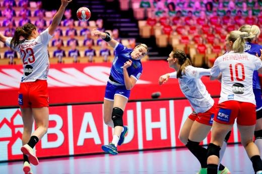 Сборную России растерзали на чемпионате Европы. Увы, наши девушки без медалей