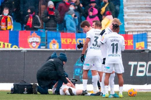 Марио Фернандес отыграл лишь 22 минуты из-за травмы. Его сбил свой же футболист