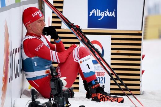Большунов снялся с гонки на 15 км на чемпионате России – причины, кто выиграл в его отсутствие