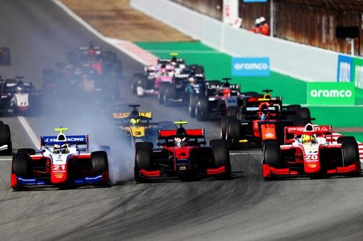 Авария Александера Албона в свободных заездах Гран-при Бахрейна Формулы-1