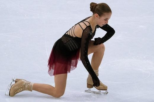 Трусова снова упала с нелюбимого прыжка. Упрямство русской фигуристки выходит ей боком