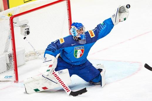 Вратарь итальянцев отразил 62 броска! Как ему теперь играть с Россией?