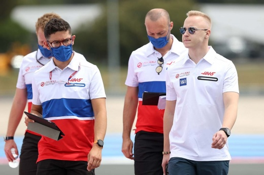 «Надеюсь, жалоб будет меньше». Мазепин и Шумахер обсудили инцидент в Баку