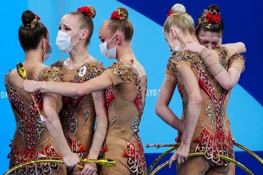 Дали себя догнать. Российские гимнастки-художницы впервые за 25 лет проиграли Олимпиаду