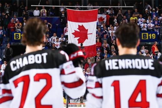 «Нельзя вести себя как обезьяны». На ЧМ скандал – освистали гимн Канады
